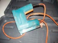 agrafeuse électrique black decker